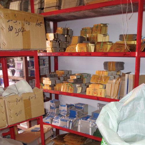 envases falsificación de NSK recientemente capturado por la policía.