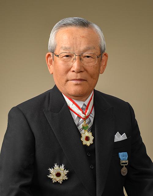 元会長・社長(現名誉顧問) 朝香...